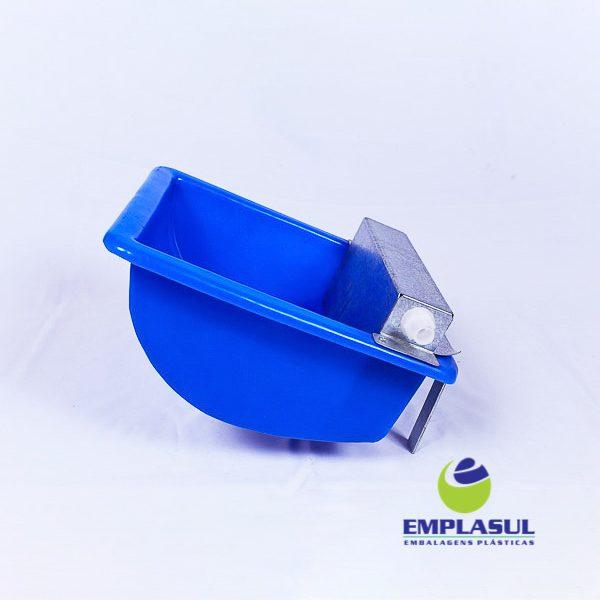 Bebedouro 5 Litros de plástico azul da marca EmplasulBebedouro 5 Litros de plástico azul da marca Emplasul